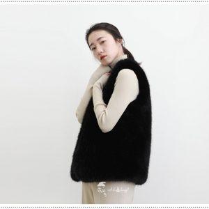 เช่าเสื้อขนเฟอร์ เช่าเสื้อกันหนาว เช่าโค้ท เช่าเสื้อโค้ท เช่าเสื้อกันหนาว ชลบุรี ขนเฟอร์